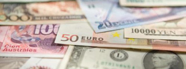 Foreign currency exchange: traveller's cheques or cash?