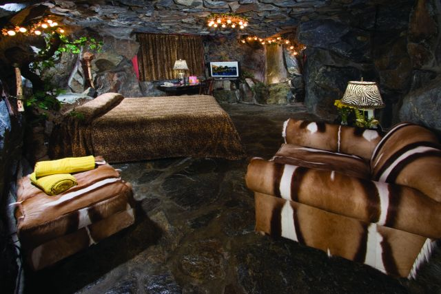 Hotel California Theme Rooms Cave