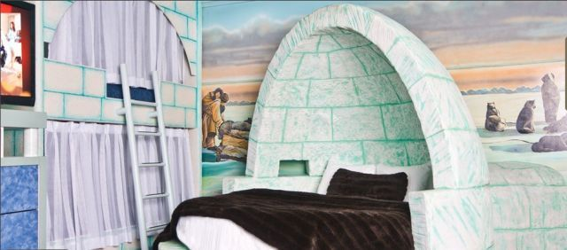 Fantasyland Hotel- Igloo Room