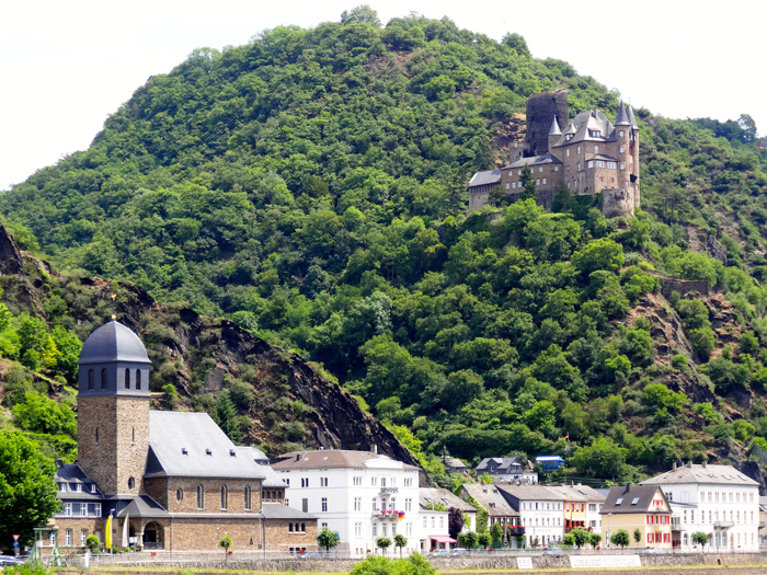 Small town of St Goar with medieval castles on the Rhine River Cruise