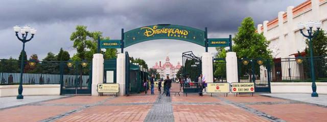 Courtney Dishes on Disneyland Paris