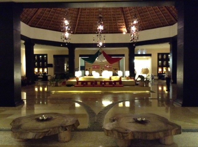 The Ocean Turquesa in Mexico offers ample seating space in the hotel's lobby.