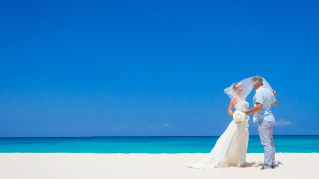 Make your wedding day dreams come true by hosting your special day at one of the best destination wedding locations.