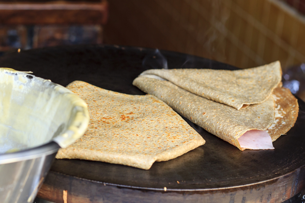 Whether sweet or savoury, crepes are a street food in France you can't miss.
