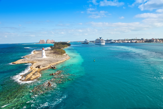 Nassau travel guide highlighting the best things to do and places to stay in the Bahamas