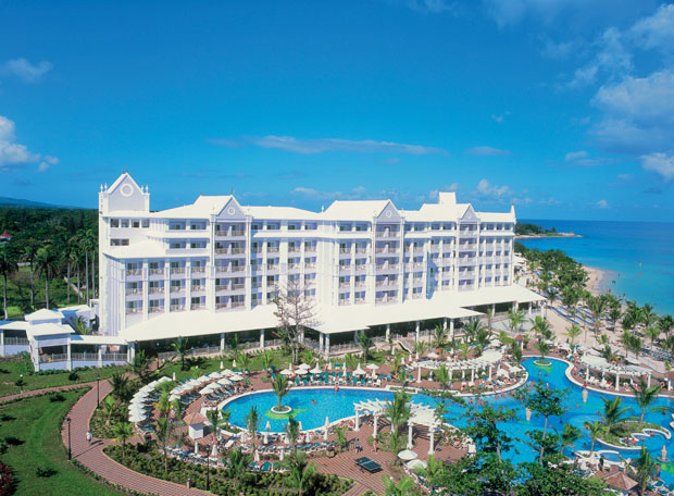 The Riu Ocho Rios all inclusive resort offers exceptional amenities and services