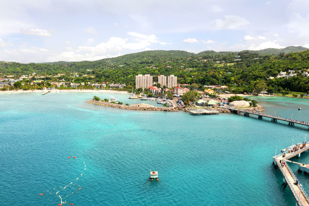 Ocho Rios all inclusives offer beautiful views of aquamarine waters