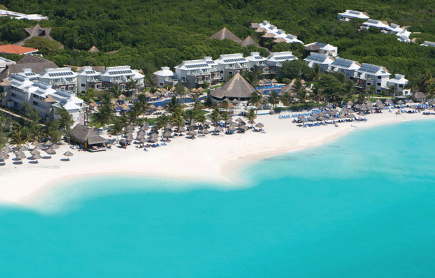 Vacation deals at the Sandos Caracol 4-star Mexico