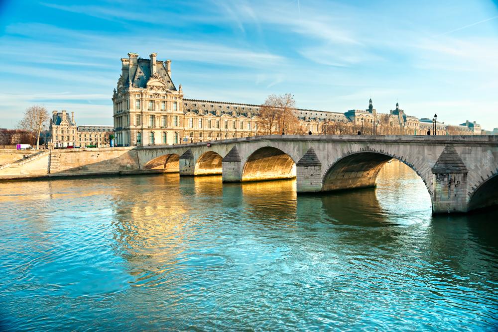 Louvre & Pont Des Arts