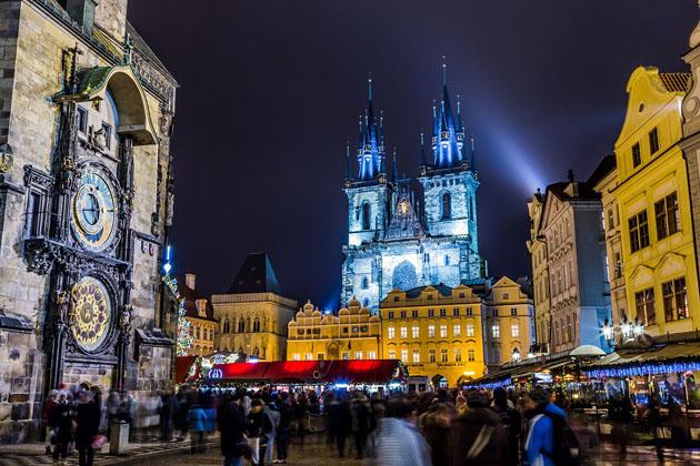 Travel Europe cheap and visit Prague
