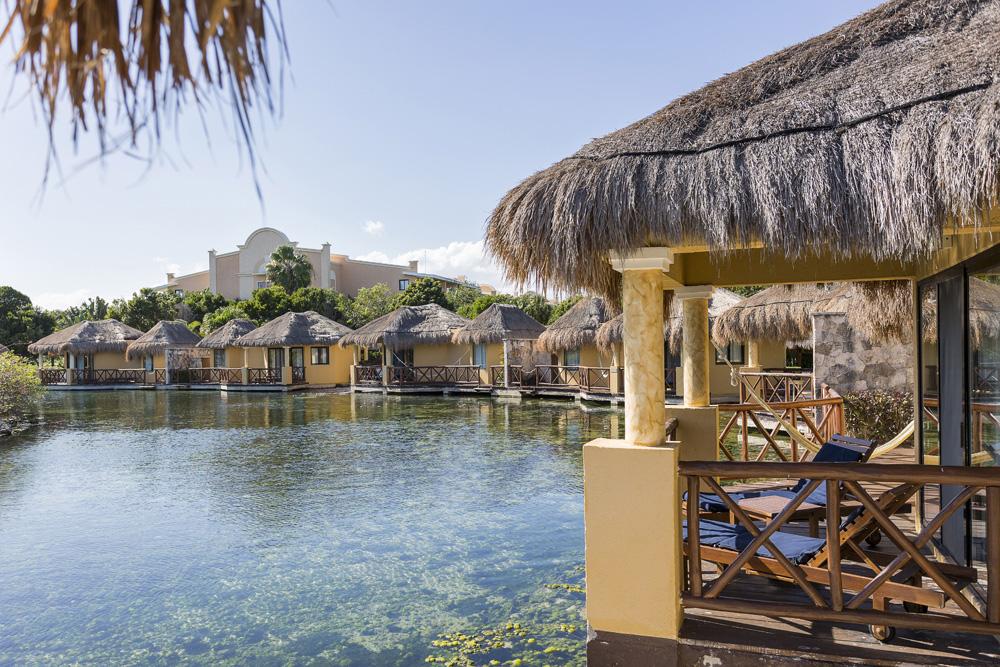 why you should visit grand palladium white sand resort spa. Black Bedroom Furniture Sets. Home Design Ideas